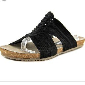 Matisse Cole black sandals